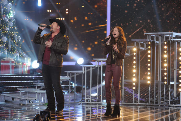 Tate Stevens and Carly Rose Sonenclar perform