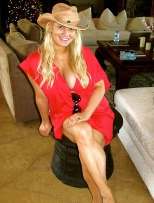 Jessica Simpson tweets photo from Christmas in Hawaii