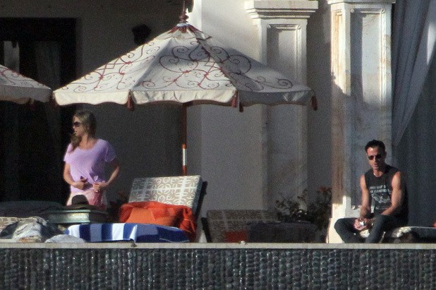 Jennifer Aniston and boyfriend Justin Theroux on holiday in Mexico Featuring: Jennifer Aniston Where: Cabo San Lucas, Mexico When: 02 Jan 2013