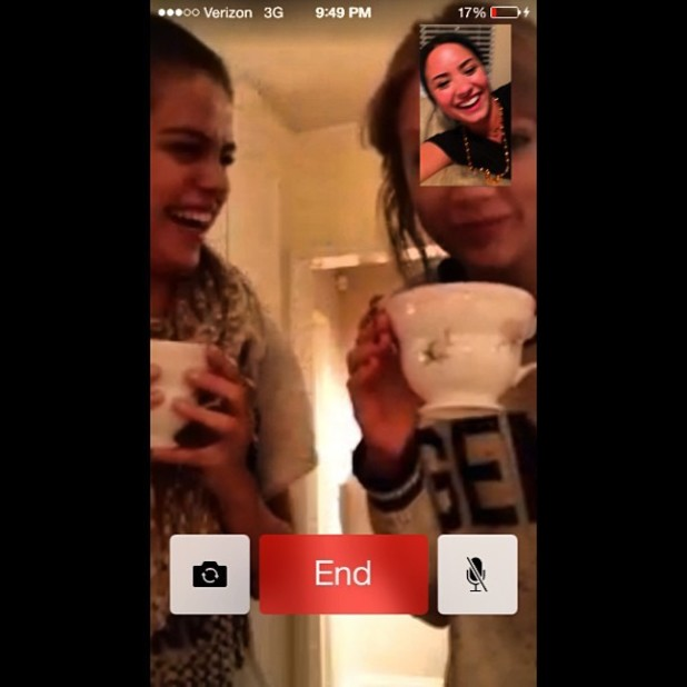 Selena Gomez, Taylor Swift and Demi Lovato do FaceTime