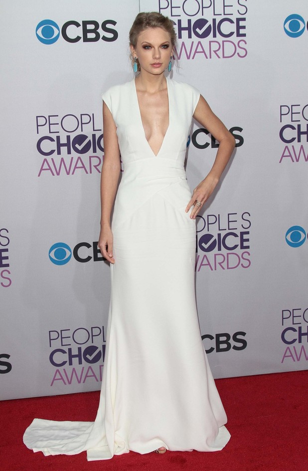 People's Choice Awards: 15 Must-See Looks From The (Slightly Meh) RedCarpet
