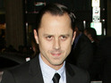 Giovanni Ribisi will play a conman-turned-bail bondsman in CBS pilot Sneaky Pete.