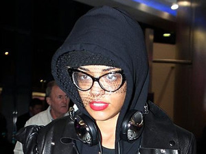 Rita Ora, Heathrow airport
