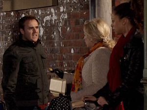 8053: Tyrone bumps into Kirsty in the street and tries to take Ruby from her pram