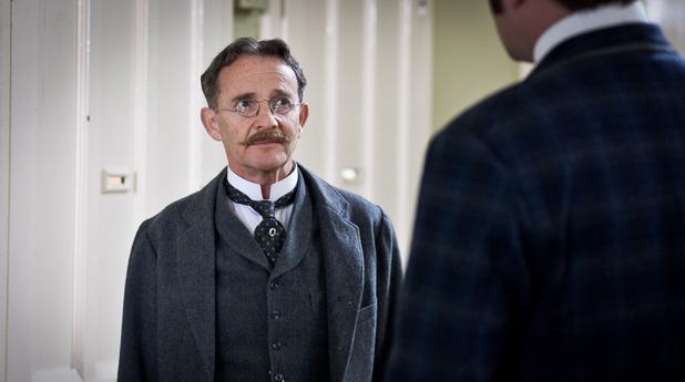 Ripper Street S01E04: Dr Karl Crabbe (ANTON LESSER)