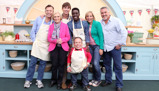 The Great Comic Relief Bake Off: Duncan Bannatyne, Mary Berry, Simon Reeve, Warwick Davis, Andy Akinwolere, Mel Giedroyc, Paul Hollywood