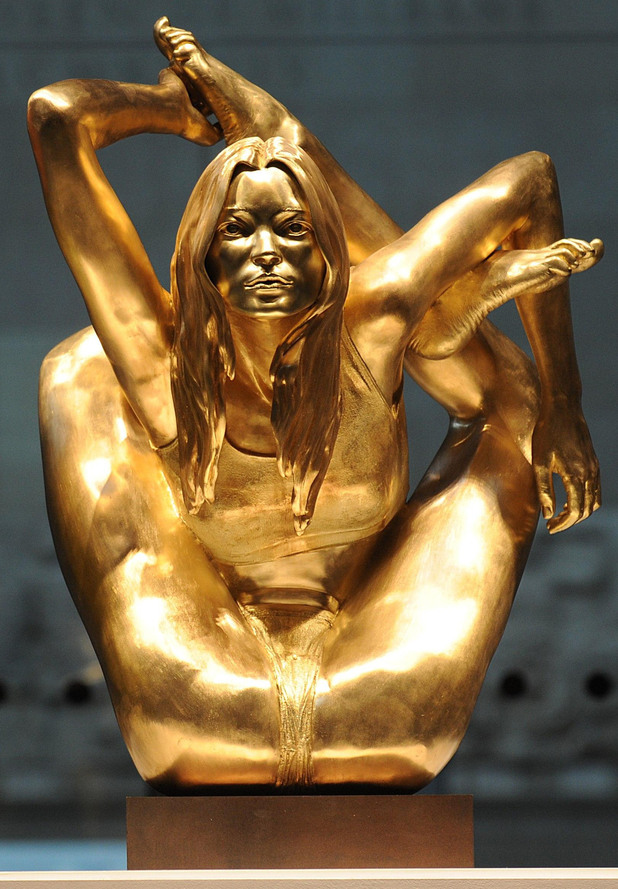 Kate Moss, gold sculpture, Marc Quinn