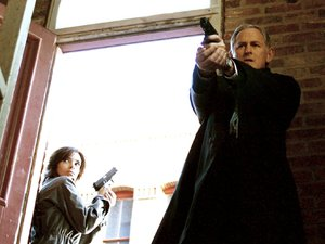 &#39;Alias&#39; - Season 5 - &#39;The Horizon&#39; - Elodie Bouchez and Victor Garber