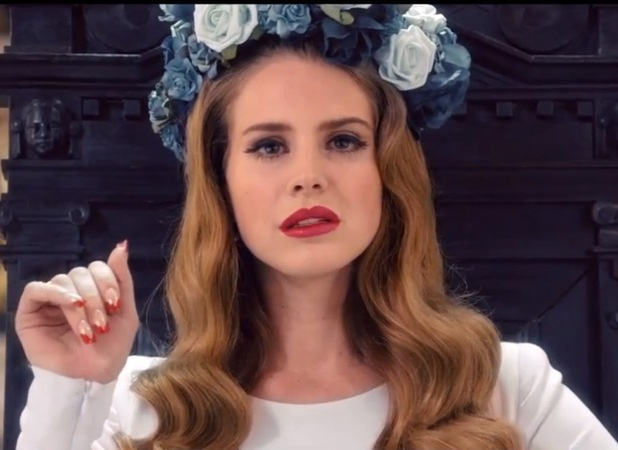 Miss Mode: Lana Del Rey in music video