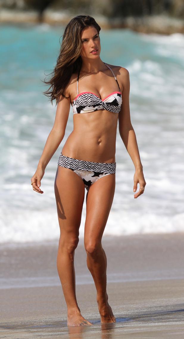 Alessandra Ambrosio, Victoria's Secret, Saint Barthélemy