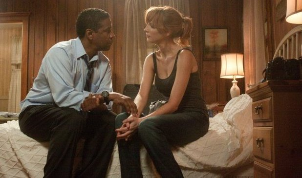 'Flight' still: Denzel Washington, Kelly Reilly