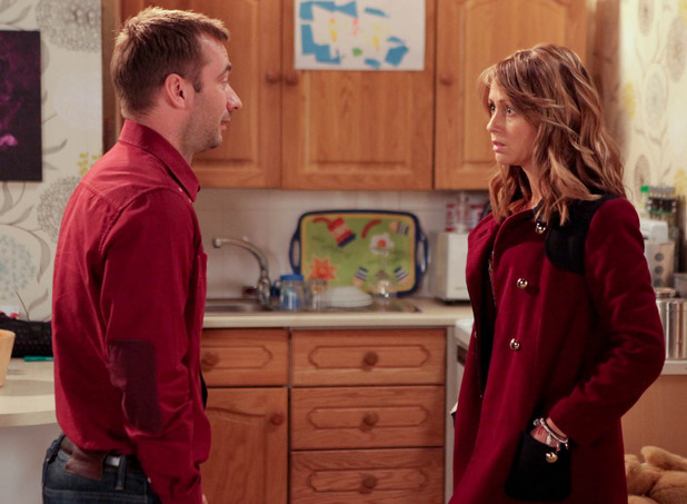 8058: When Marcus Dent [CHARLIE CONDOU] bumps into Sean in a gay bar in town he realises he no longer fits in. Returning home will he and Maria Connor [SAMIA GHADIE] kiss and make up?