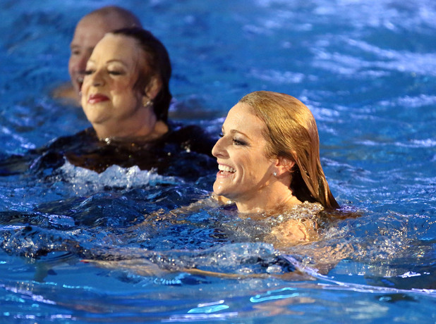 Splash Live Final: Gaby and Jo celebrate in the pool.