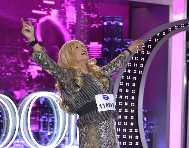 Steven Tyler as contestant 'Pepper LaBeija' on American Idol