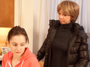 8065: Gail forces the truth out of Kylie who admits Lewis was blackmailing her
