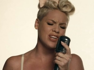 Pink new music video 'Just Give Me A Reason'