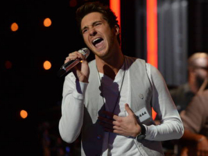 Paul Jolley performs during the boys solo round of Hollywood week on &#39;American Idol&#39;
