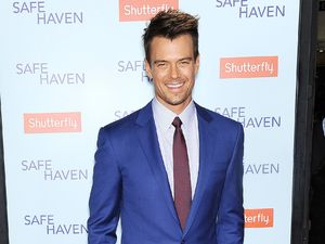 Josh Duhamel attends Safe Haven premiere