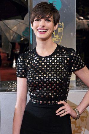 BAFTA 2013: Anne Hathaway