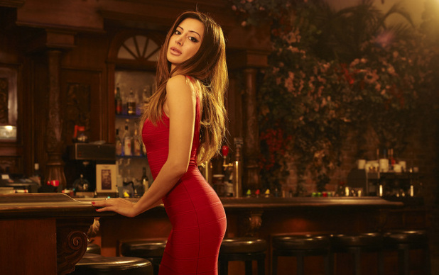 Noureen DeWulf in 'Anger Management'