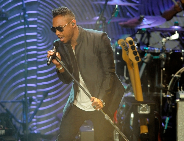 Miguel performs at Clive Davis's pre-Grammys party - February 9, 2013