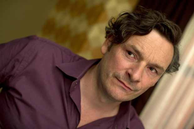 Larry (Julian Barratt)
