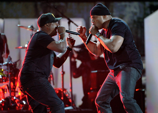 Grammy Awards 2013: Public Enemy's Chuck D and LL Cool J close the show.