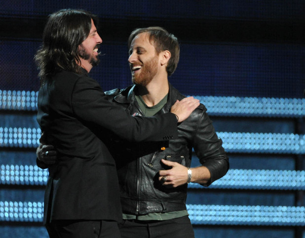 Grammy Awards 2013: Dave Grohl congratulates Dan Auerbach of The Black Keys