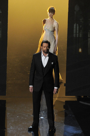 Hugh Jackman and Anne Hathaway perform at the Oscars