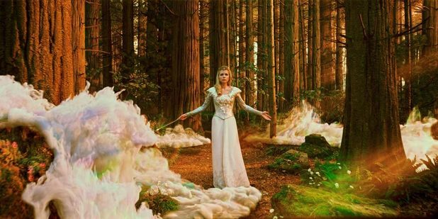Michelle Williams Glinda Oz The Great and Powerful