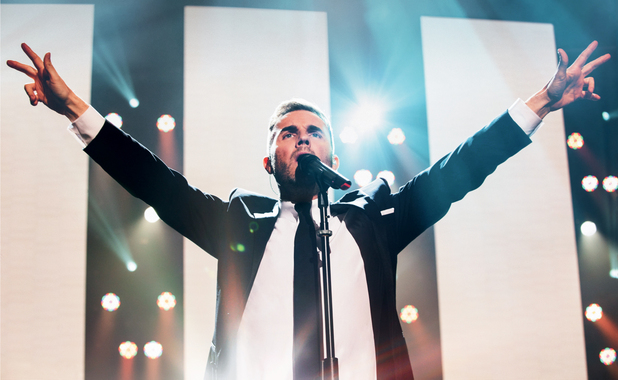 Gary Barlow performing in Manchester for his first live DVD.