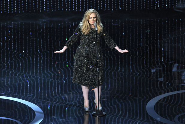 Adele performs 'Skyfall' at the 2013 Oscars
