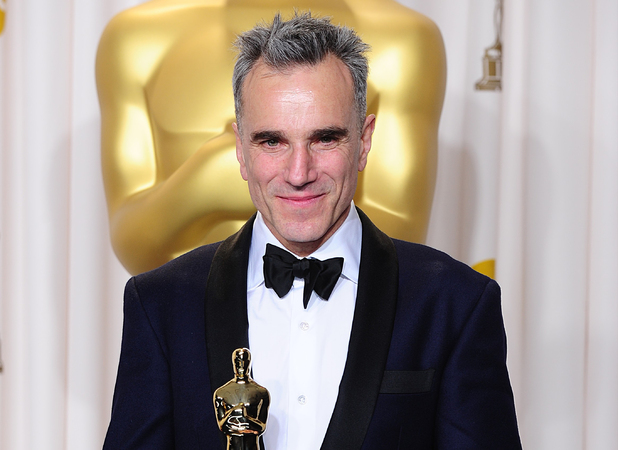 Daniel Day-Lewis with his 'Best Actor' Oscar for 'Lincoln'