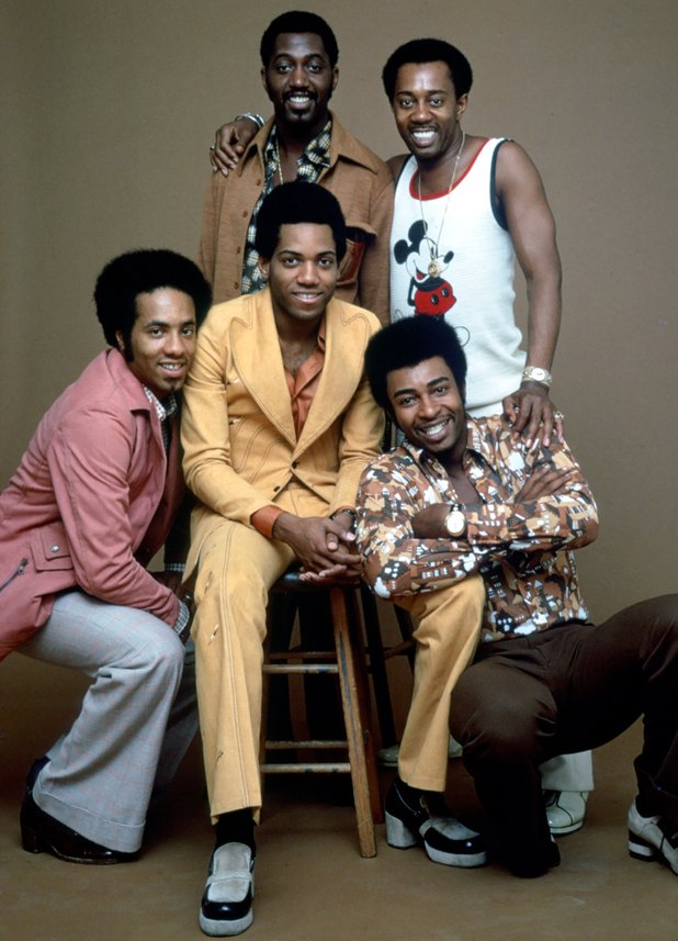 Photo of Temptations in 1974. Clockwise from far left: Richard Street, Otis Williams, Melvin Franklin, Dennis Edwards and Damon Harris. 