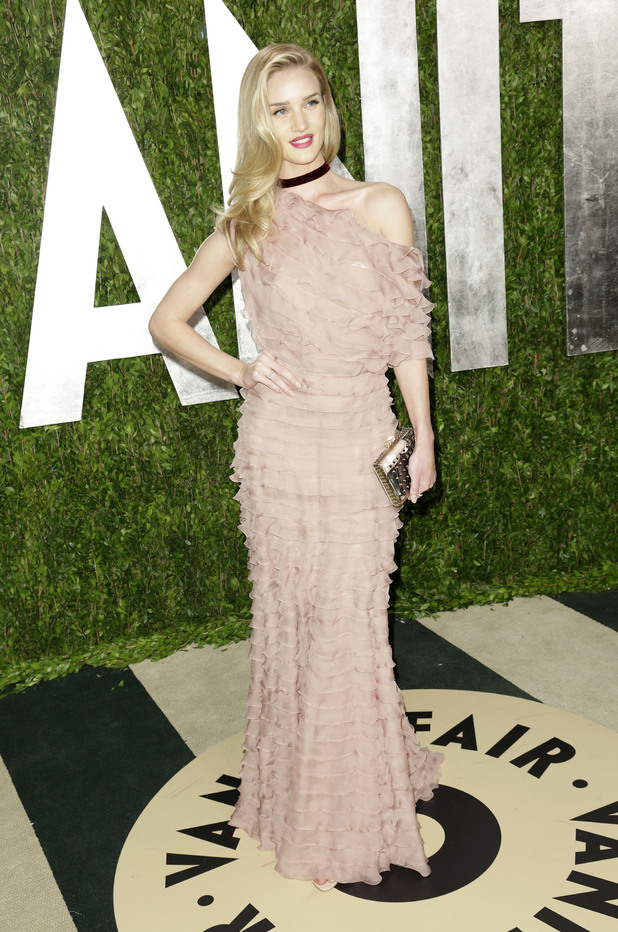 Rosie Huntington-Whiteley, 2013 Vanity Fair Oscar Party