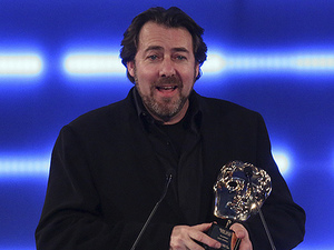 Jonathan Ross presents the BAFTA Fellowship to Gabe Newell at the BAFTA Games Awards 2013