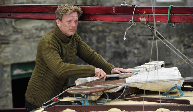Shetland Episode 1: Jimmy Perez (Douglas Henshall)