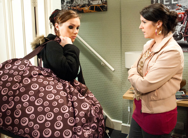 "6452: Kerry finds a guilty Amy dragging a suitcase down the stairs ""as she moves to the B&B"