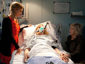 Eva and Gloria at Stella&#39;s bedside after the Rovers fire