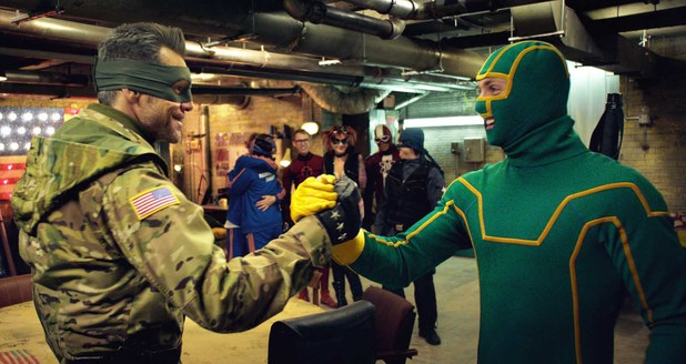 Still of Jim Carrey and Aaron Taylor-Johnson in Kick-Ass 2