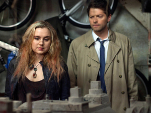 Rachel Miner as Meg and Misha Collins as Castiel in Supernatural S08E17: &#39;Goodbye Stranger&#39;