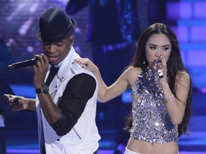 Ne-Yo and Jessica Sanchez perform on 'American Idol'