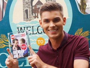Hollyoaks&#39; Kieron Richardson with the Forbidden Lovers award