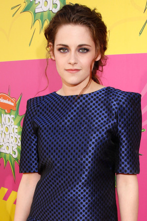 Kristen Stewart arrives for the Kids Choice Awards.