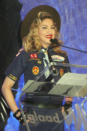 24th Annual GLADD Media Awards - Madonna presents the Vito Russo Award to Anderson Cooper