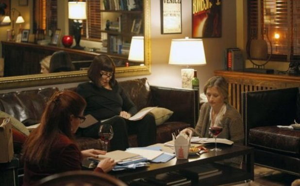 Debra Messing as Julia Houston, Anjelica Huston as Eileen Rand, Grace Gummer as Katie in Smash S02E07: 'Musical Chairs'