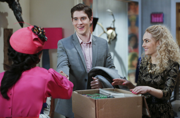 The Carrie Diaries, S01E10 - The Long and Winding Road Not Taken: Freema Agyeman as Larissa, Brendan Dooling as Walt, and Anna Sophia Robb as Carrie