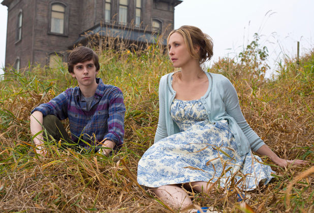 Freddie Highmore as Norman Bates and Vera Farmiga as Norma Bates in A&E&#39;s &#39;Bates Motel&#39;