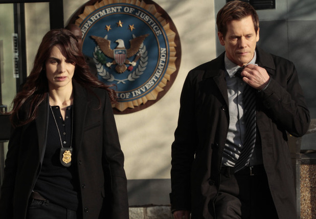 'The Following' (S01E09) 'Love Hurts': Special Agent Parker (Annie Parisse) and Ryan (Kevin Bacon)