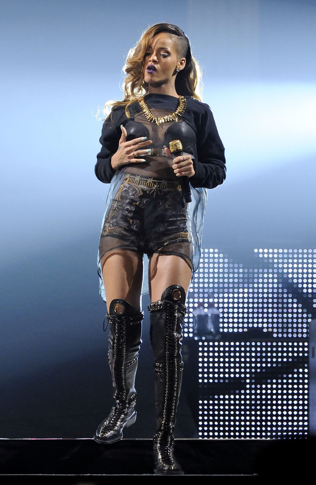 Rihanna, Diamonds tour, Toronto